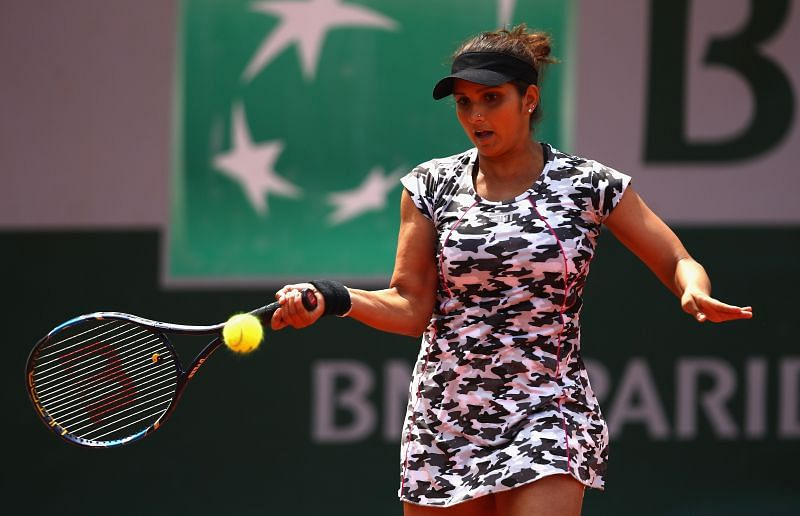 The Sania Mirza forehand in full glory