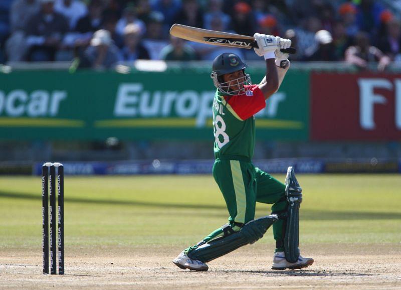 मोहम्मद अशरफुल बांग्लादेश के कप्तान भी रहे हैं