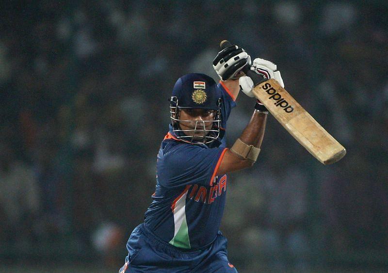 4 भारतीय बल्लेबाज जिन्होंने वनडे क्रिकेट में सबसे ज्यादा चौके लगाए हैं