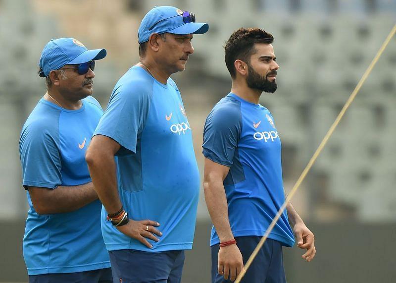 Bharat Arun (left) with Indian team Head Coach Ravi Shastri and Captain Virat Kohli