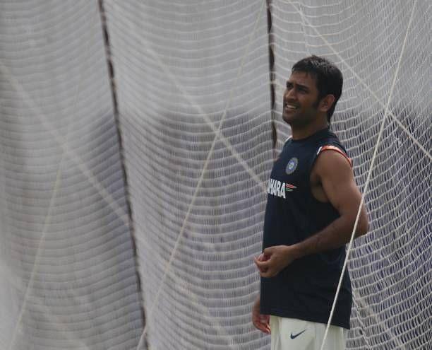 भारतीय टीम की कप्तानी कर चुके हैं महेंद्र सिंह धोनी