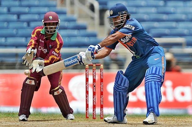 महेंद्र सिंह धोनी ने 82-8 से भारत के स्कोर को 188 के स्कोर तक पहुंचाया