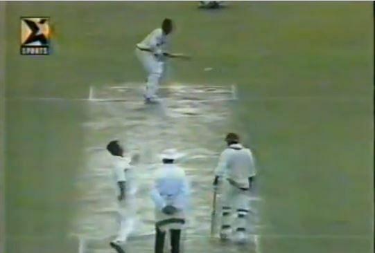 क्रिकेट के सबसे शानदार ओवर में से एक (Screenshot)