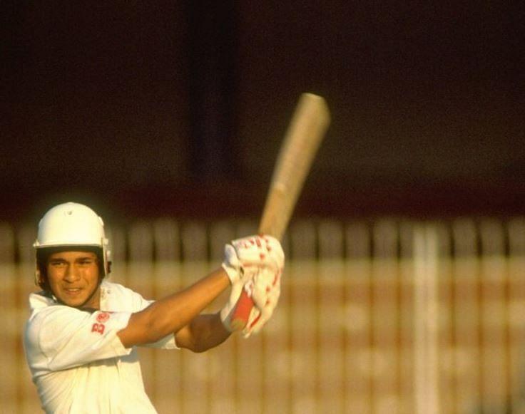 10 भारतीय क्रिकेटर जिन्होंने 17 साल से कम की उम्र में डेब्यू किया