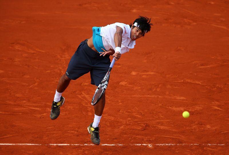 Somdev Devvarman in action against Roger Federer in 2013