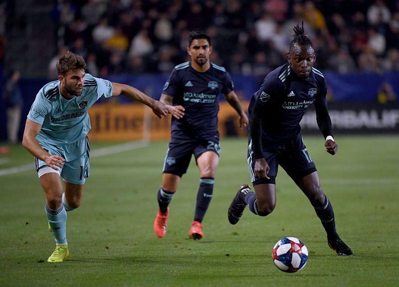 Houston Dynamo will face LA Galaxy on Friday