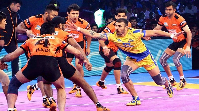 Ajay Thakur is perhaps the raider who is the most proficient with the Running Hand Touch in the PKL
