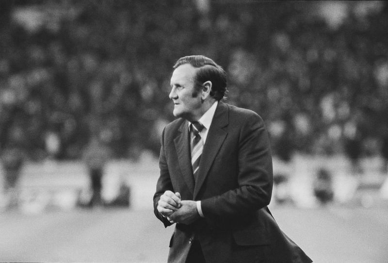 Don Revie managing Leeds United.