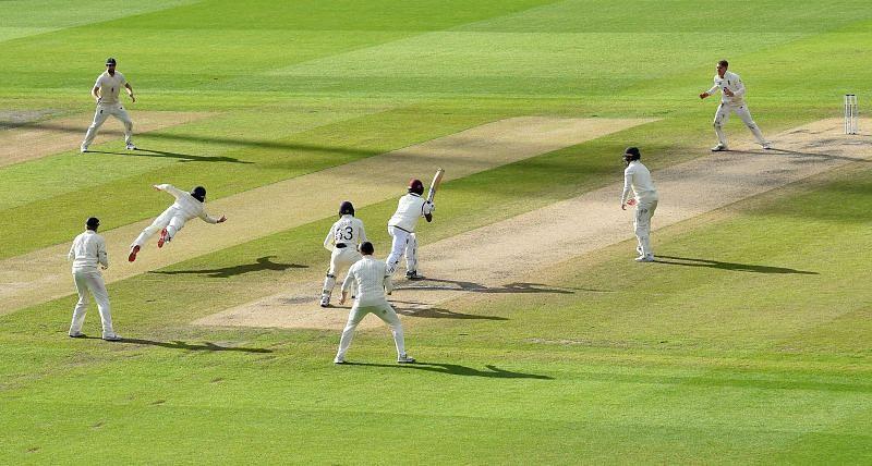 इंग्लैंड और वेस्टइंडीज के बीच तीसरा टेस्ट मैनचेस्टर में खेला