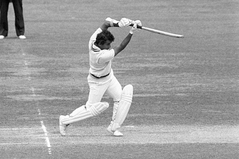 4 भारतीय बल्लेबाज जिन्होंने एक टेस्ट सीरीज में सबसे ज्यादा रन बनाये