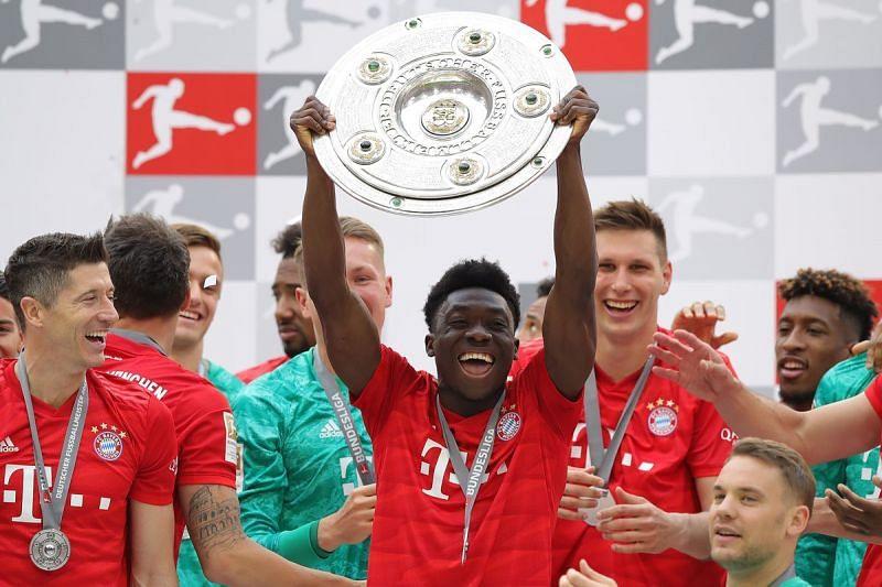 Alphonso Davies celebrates Bayern Munich