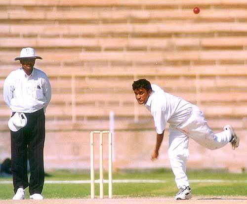 राहुल सांघवी ने हिमाचल प्रदेश के खिलाफ 15 रन देकर आठ विकेट लिए थे