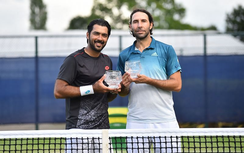 Aisam-ul-Haq Qureshi (L) is the most successful tennis player from Pakistan