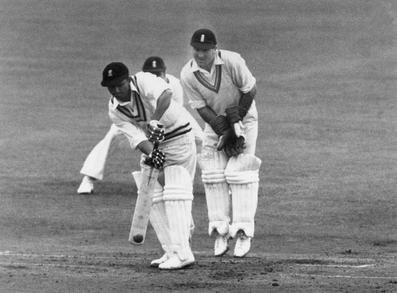 भारतीय टीम एक ही दिन में दो बार ऑल आउट होने का रिकॉर्ड बनाने वाली पहली टीम बनी थी