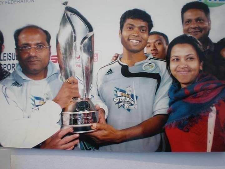Coach AK Bansal with Dilip Tirkey (Photo courtesy - AK Bansal)