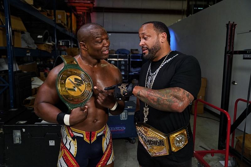 Shelton Benjamin has new friends on RAW