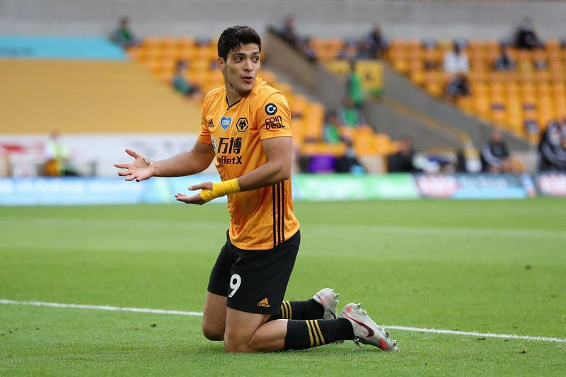 Raul Jimenez has been advised to go to Manchester United