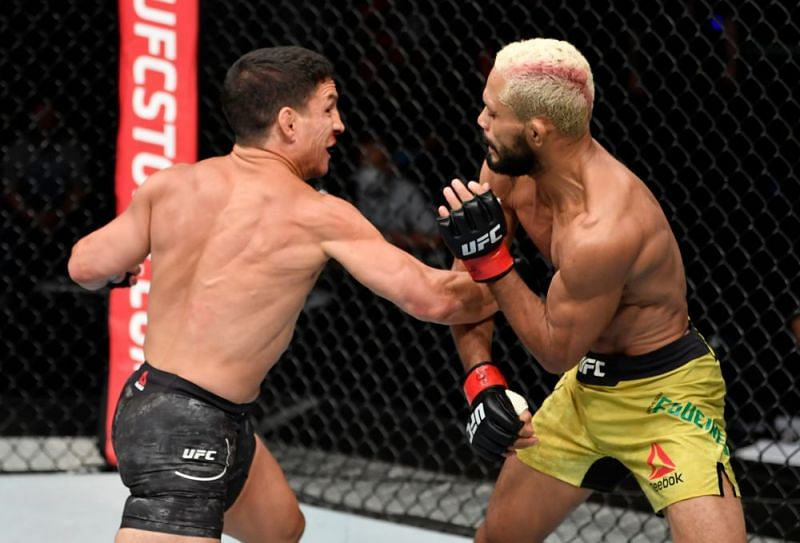 Joseph Benavidez and Deiveson Figueiredo fought for the UFC Flyweight crown last night, with the Brazilian winning