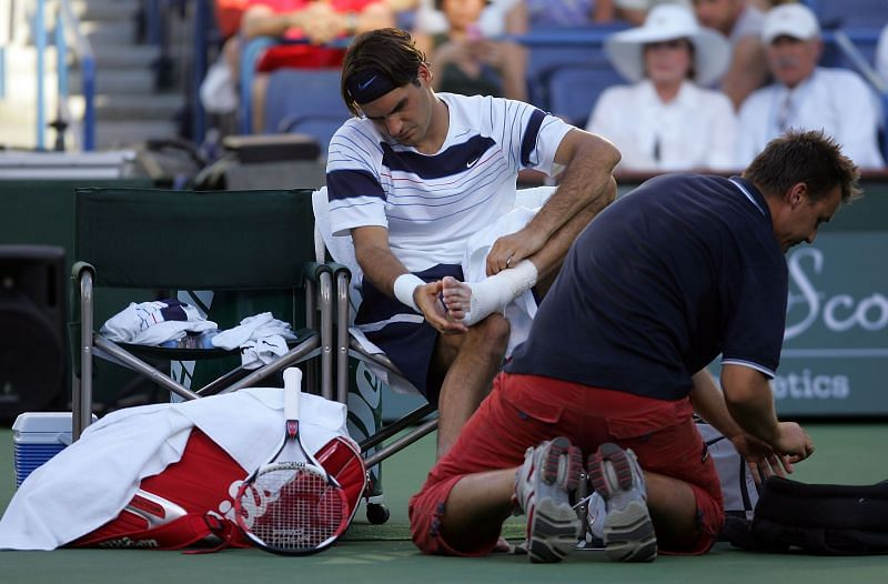 Roger Federer received a medical timeout at Indian Wells 2007