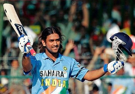 MS Dhoni had flowing long locks in the initial stages of his career