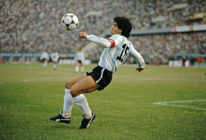 Diego Maradona epitomised the role of the enganche in the 1980s, a role that would later be taken up by Juan Roman Riquelme in the Argentina national team.