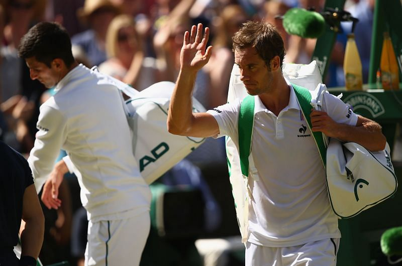 Novak Djokovic (L) and Richard Gasquet