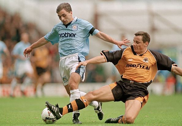 Georgi Kinkladze in action for Manchester City