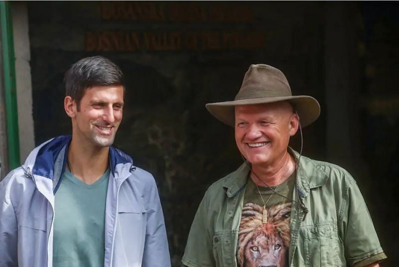Novak Djokovic with Semir Osmanagic (right), who has some bizarre unscientific claims. Credits: Blick