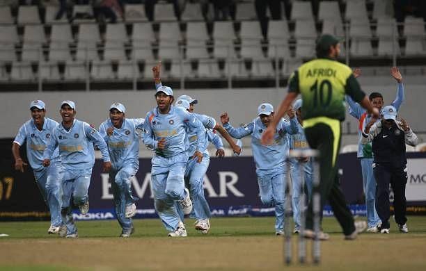 युवराज सिंह ने 2000 में वनडे, 2003 में टेस्ट और 2007 में टी20 डेब्यू किया