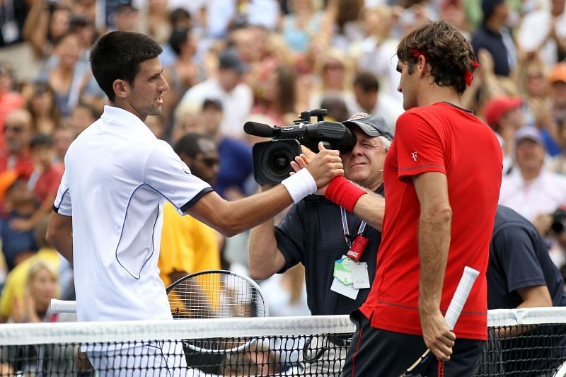 Novak Djokovic (L) and Roger Federer