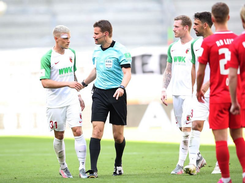 Philipp Max (no.31) in action for Augsburg