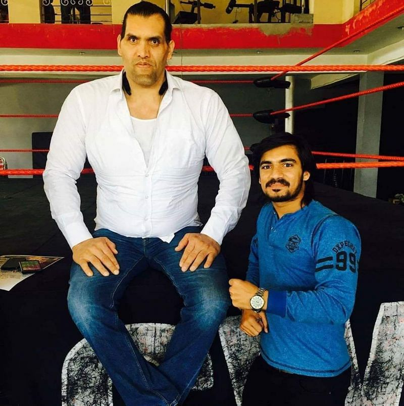 Dinesh Kumar with The Great Khali