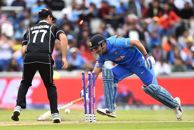 महेंद्र सिंह धोनी अपने करियर की आखिरी पारी में हुए थे रनआउट