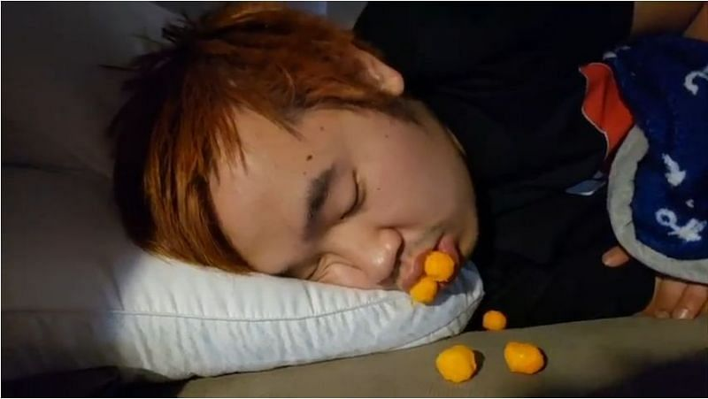 Asian Andy has earned thousands, by sleeping (Image Credits: Reddit)