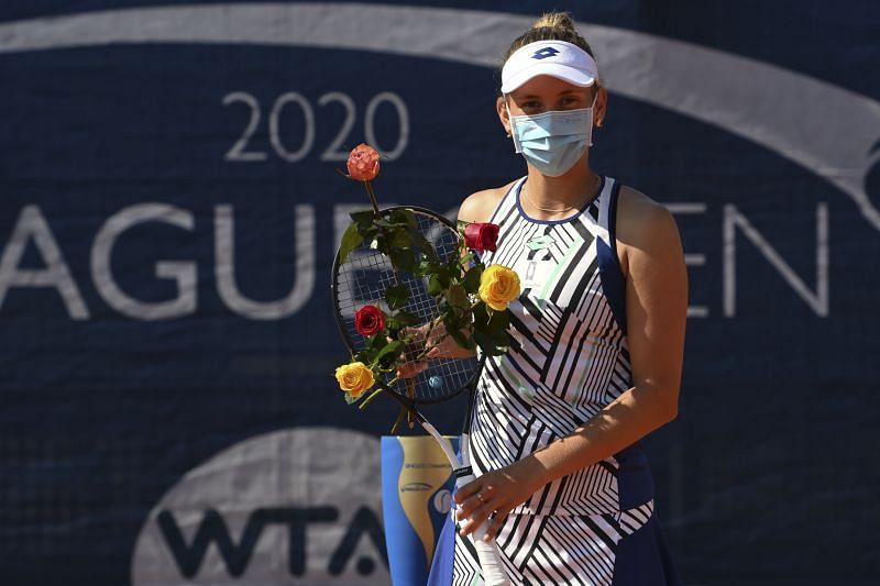 Elise Mertens celebrates her runner-up run at the 2020 Prague Open