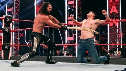 Raw का एपिसोड दो सुपरस्टार्स के लिए किसी डरावने सपने से कम नहीं रहा