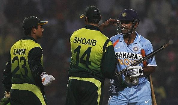 Shoaib Akhtar admitted to have intentionally bowled a beamer at MS Dhoni