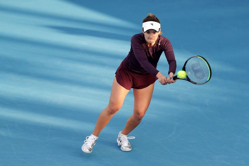 Lauren Davis has a strong baseline game, particularly off the backhand wing