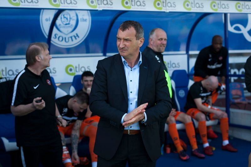 Csaba Laszlo won the Hungarian Manager of the Year in 2005.