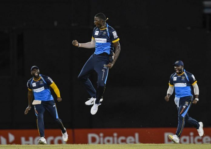 Jason Holder (C) will look to lead his side to another CPL victory