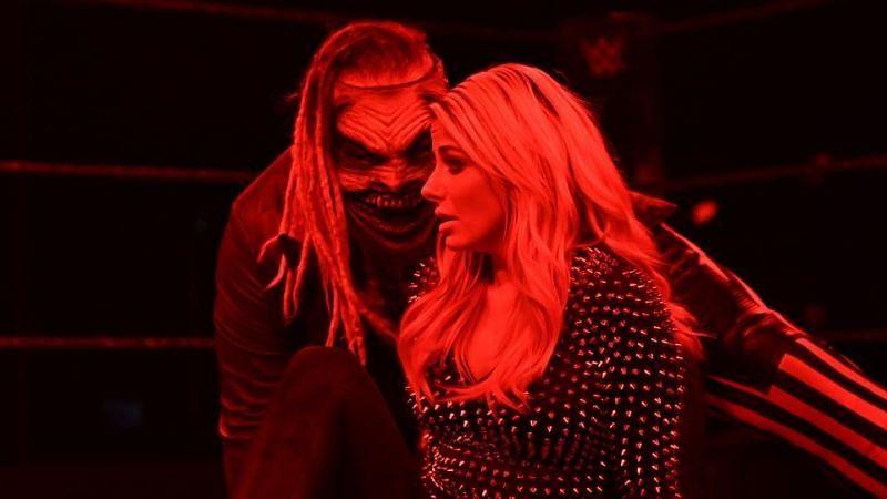 WWE स्मैकडाउन में द फीन्ड ने वापसी करते हुए एलेक्सा ब्लिस के ऊपर किया अटैक