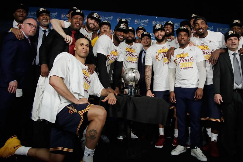 Ty Lue with the Cleveland Cavaliers
