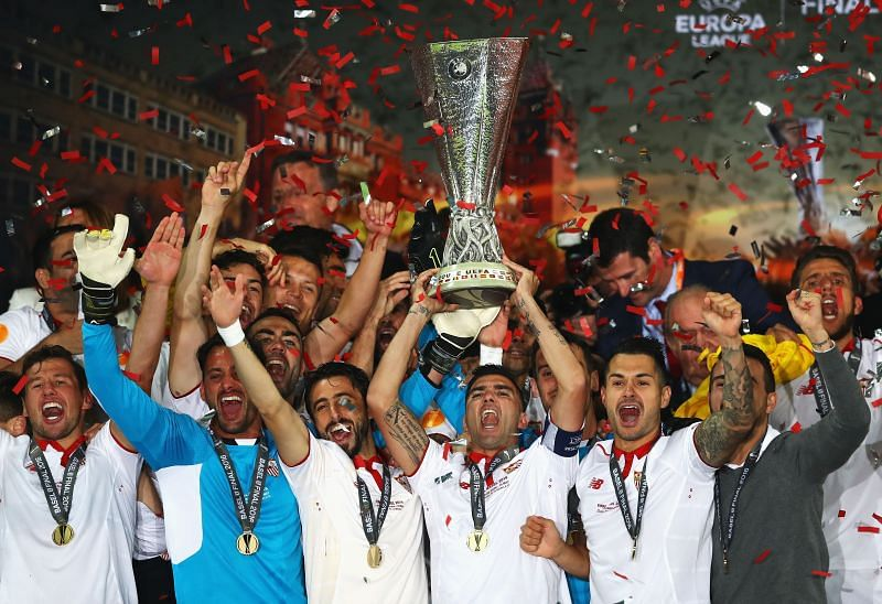 Sevilla lifted the 2015/16 Europa League title by beating Liverpool 3-1
