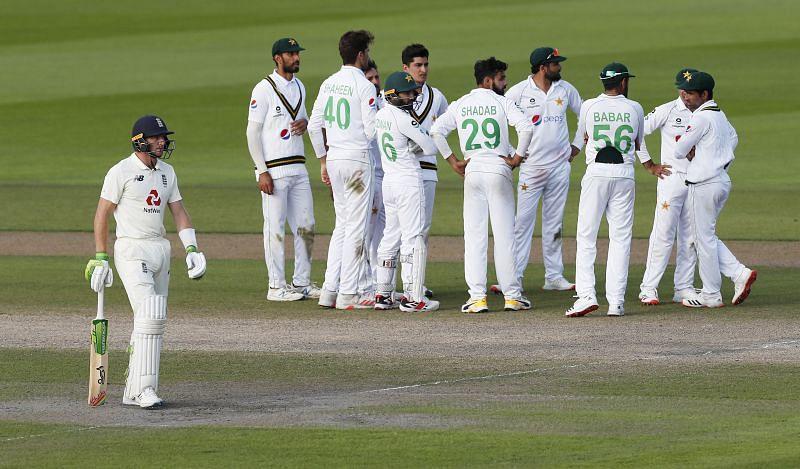 पाकिस्तान  vs इंग्लैंड