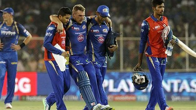 Aaron Finch suffered a serious hamstring injury in his third IPL game for MI
