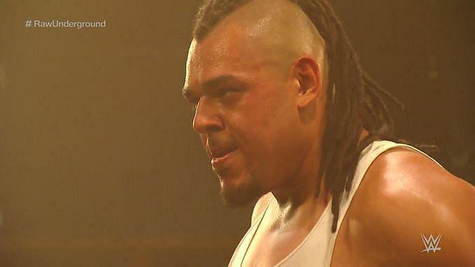 Raw के एपिसोड में अनोखी चीज़ें हुई