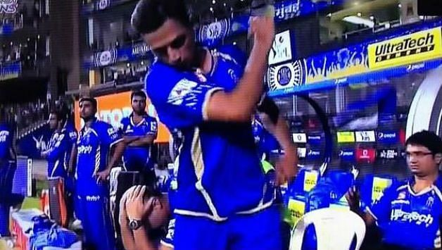 The ever cool Rahul Dravid lost his temper after seeing his team