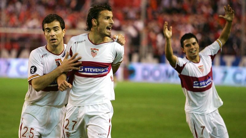 Antonio Puerta (centre), who scored the winner for Sevilla in the penalty shootout, passed away the next year.