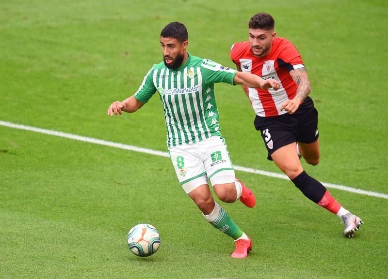 Betis midfielder Nabil Fekir in action