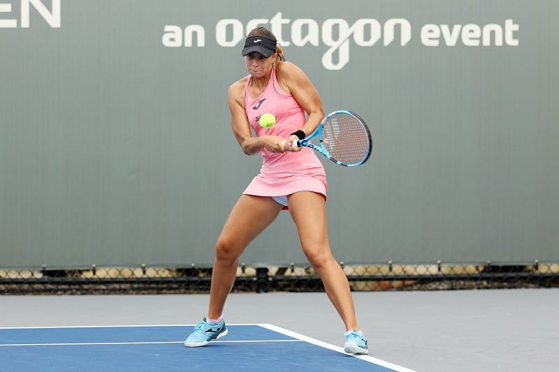 Magda Linette in action at the 2020 Top Seed Open